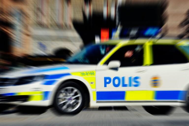 Brott: Man misshandlade kvinna – och tände på hennes bil