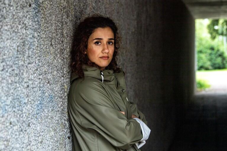 Hon blev tillfångatagen och misshandlad av släktingar när hon besökte sin pojkvän i Irak