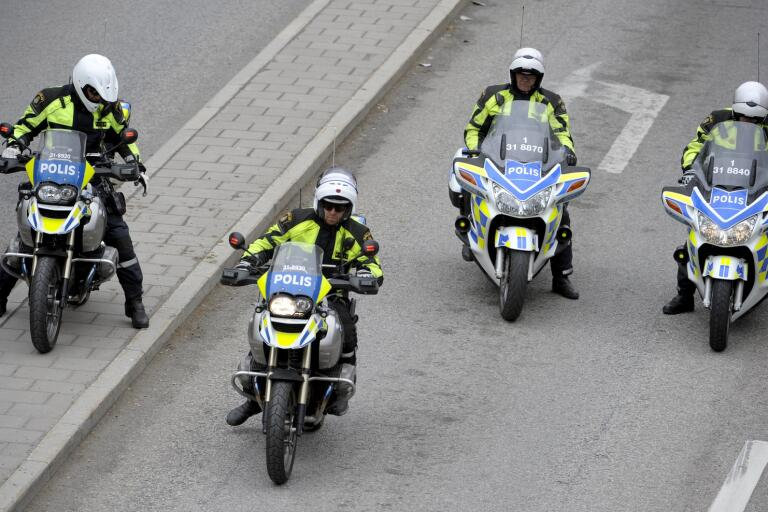 Polisen i Södertälje satsar på motorcykelpoliser beväpnade med automatvapen. Arkivbild.