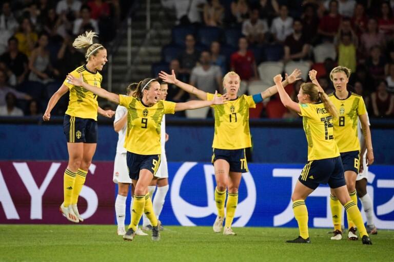 كأس العالم لكرة القدم للسيدات: ربع النهائي ينقل عبر شاشة كبيرة في حديقة التيفولي