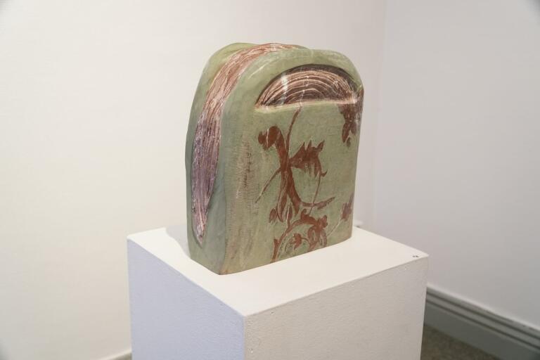 """En av Monica Funcks skulpterade handväskor – eller """"hairbags"""" som hon själv kallar dem."""