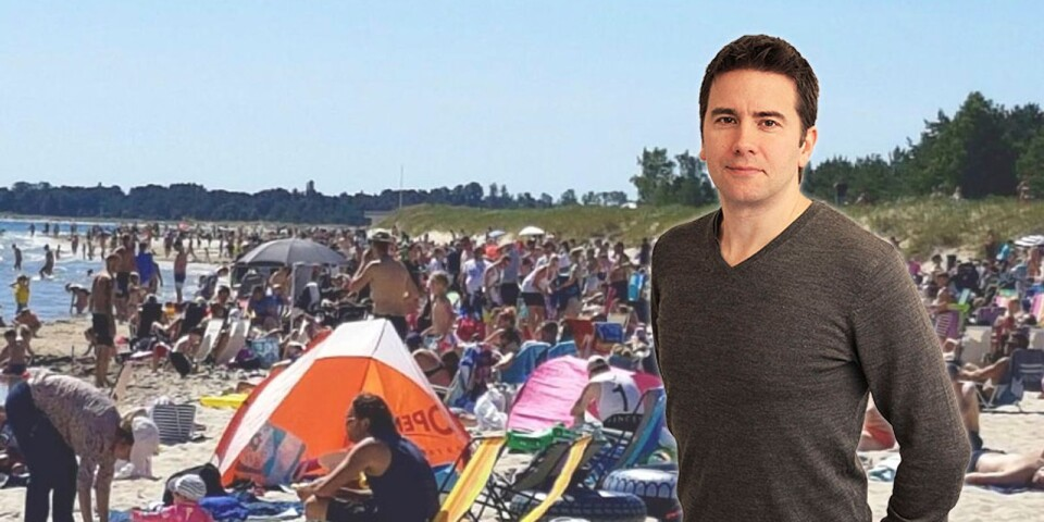 Det finns bra knep för att ta en bild så att stranden verkar vara fullsmockad, menar chefredaktör Peter Boström.