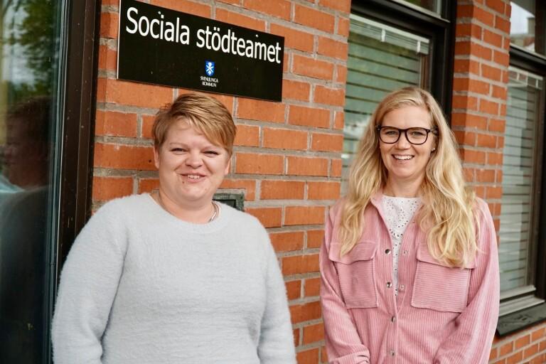 Caroline Andersson och Ida Henning, som arbetar på sociala stödteamet i Svenljunga kommun, vill att fler ska våga fråga personer som mår dåligt om de har självmordstankar.