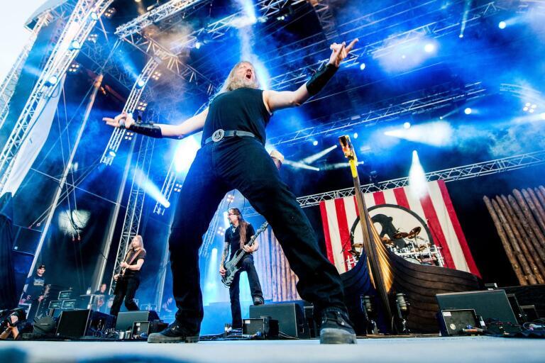 Amon Amarth seglade upp med sitt vikingaskepp på Rock Stage 2013 i Norje. Nu är det dags för konsert igen.