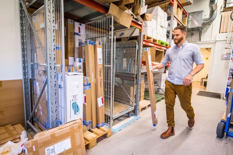Rollup-Kungen i Karlshamn är en av Blekinges e-handelsaktörer. Här vd:n Axel Hermansen.