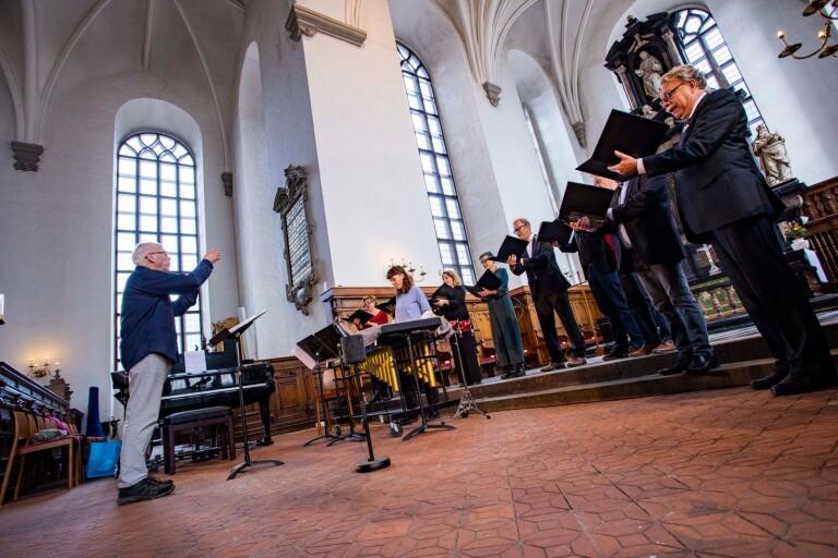 Lördagens körkonsert stod RilkeEnsemblen för, här under Gunnar Erikssons ledning.