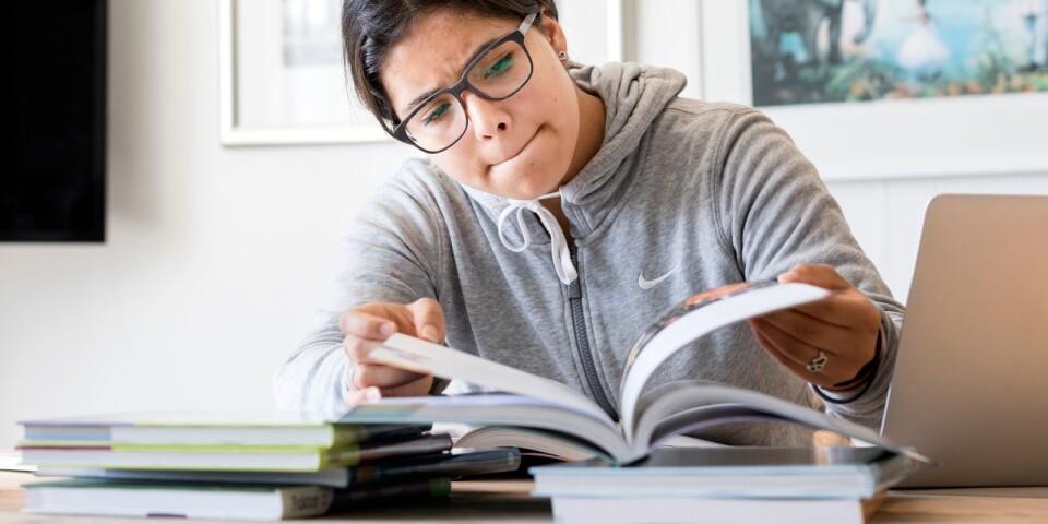 Satsningar på svenskundervisning i högstadiet och gymnasiet lönar sig i längden.
