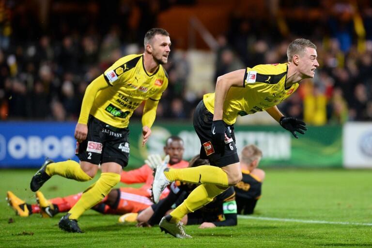 Fotbollsallsvenskan, med nykomlingen Mjällby AIF, hoppas på grönt ljus...