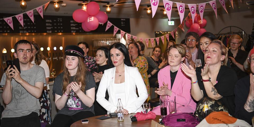 Reaktioner under Feministiskt initiativs (Fi) valvaka på Scandic Malmen i Stockholm under valet till Europaparlamentet.