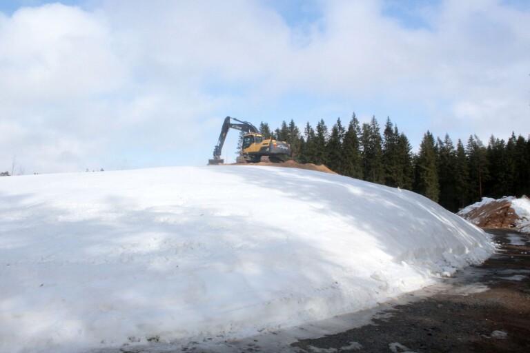 Så säkras snön till världscupen vid ännu en mardrömsvinter