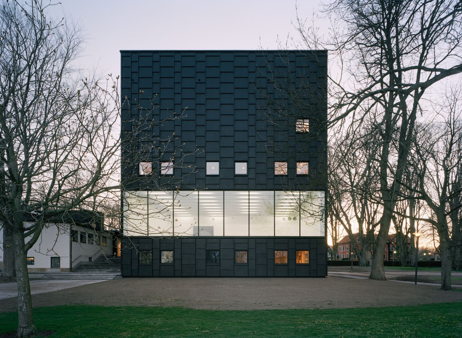 Kalmar Konsthall i Slottsparken.