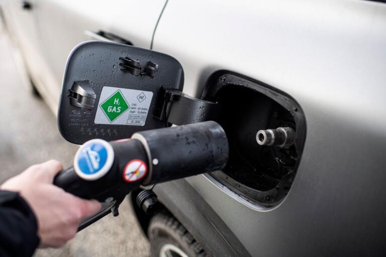 Att tanka ett vätgasfordon tar ungefär lika lång tid som att tänka ett som drivs med fossila bränslen.