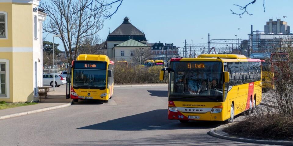 Länstrafikbussar vid busstationen i Kalmar.