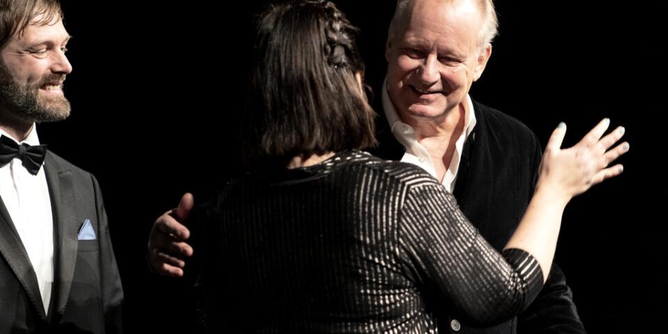 Skådespelaren Stellan Skarsgård tilldelades årets hederspris vid invigningen av Göteborgs filmfestival på biograf Draken i Göteborg.