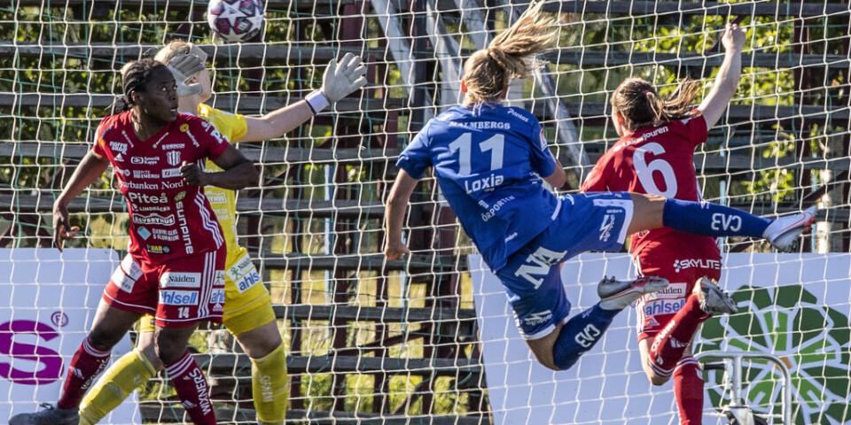 Örebros Karin Lundin nickar in kvitteringsmålet 1-1.