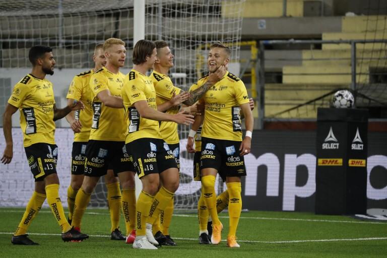 Jesper Karlsson gjorde sitt elfte mål för säsongen hemma mot Mjällby.