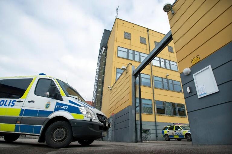 Man anhållen – svingade machete mot ungdomar