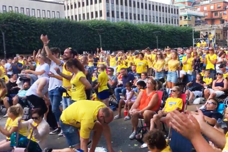 TV: Fina scenerna – här hyllar boråsarna landslaget