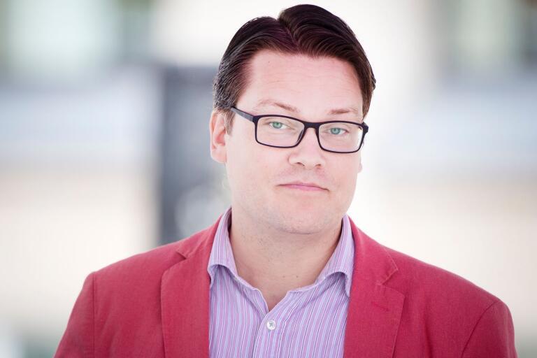 Björn Tenland Nurhadi (SD) säger att det förekommer dialog med andra partier i Karlshamn.