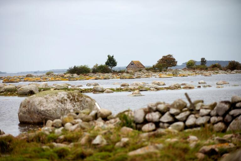 Kustledsvandrare möts bitvis av ett kargt, men vackert landskap. Arkivbild.