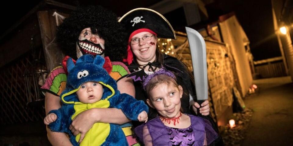 Rebecca Bergman hade dagen till ära klätt ut sig till pirat. Här tillsammans med sin dotter Mira Jönsson och sin syster Jeanette Bergman med sonen Kylo Jonsson.