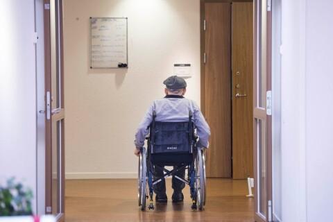 Skolsköterskor tvingas jobba i äldreomsorgen