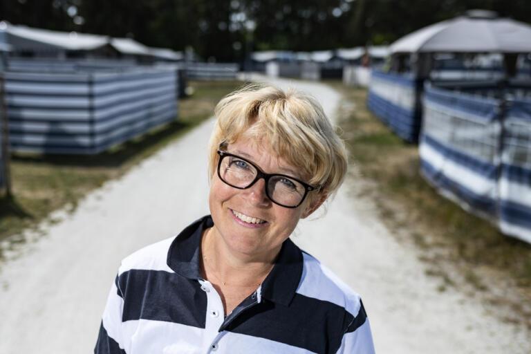Sofia Ungh Persson som driver Borrbystrands camping på Österlen tillsammans med sin man Fredrik är glad och lättad över de ändrade reserekommendationerna.