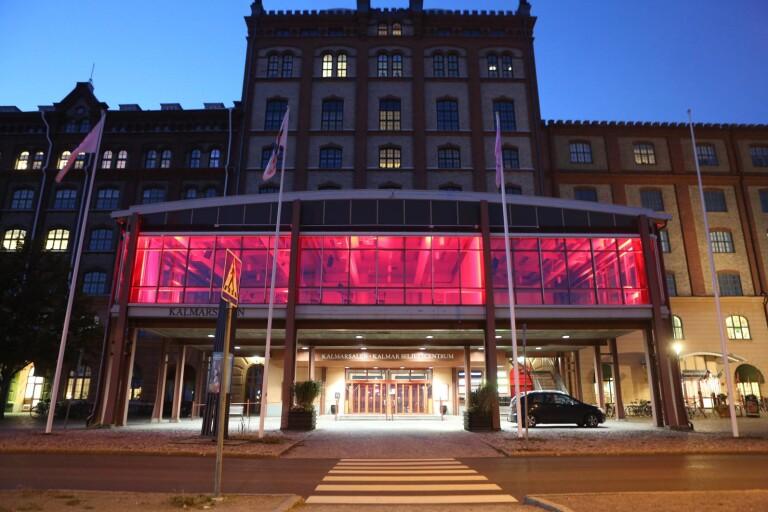 Kalmarsalen manifesterade för branschen – med upplyst fasad
