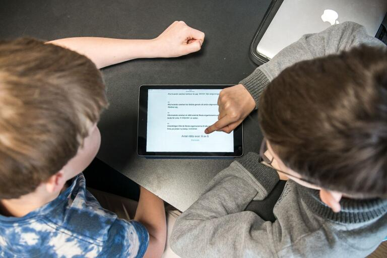Skolan i länets kommunen har jämförts av Lärarförbundet. Högsby och Mönsterås klättrar men Oskarshamn rasar i undersökningen.