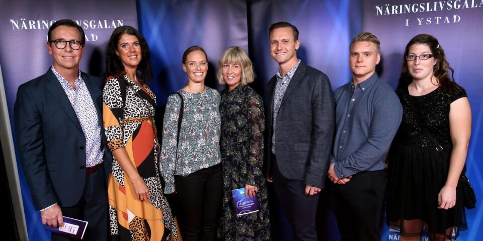 JL Fysiocenter AB var en av årets nominerade till priset som Årets företagare. Här syns Jesper Lindgren, Caroline Lindgren, Therese Kleman, Annika Bendroth, Björn Bendroth, Joakim Persson och Laura Nilsson,