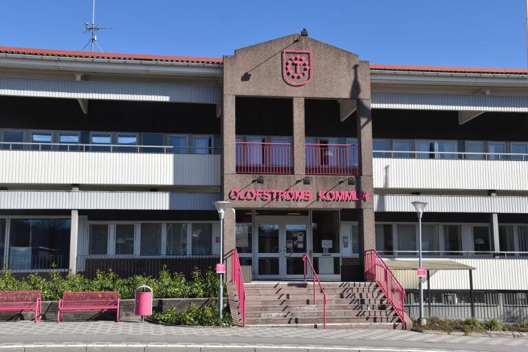 Anställda inom Olofströms kommun få en tidigarelagd julklapp i år.