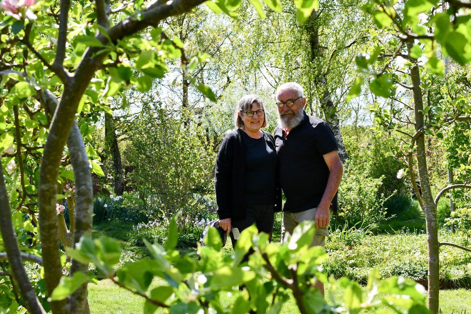 Med stor kunskap och mörkgröna fingrar har Jette och Werner skapat ett trädgårdsparadis för alla sinnen.