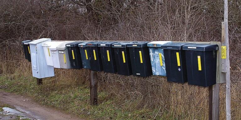En kvinna I Kastlösa har gjort en anmälan sedan någon vittjat hennes brevlåda.