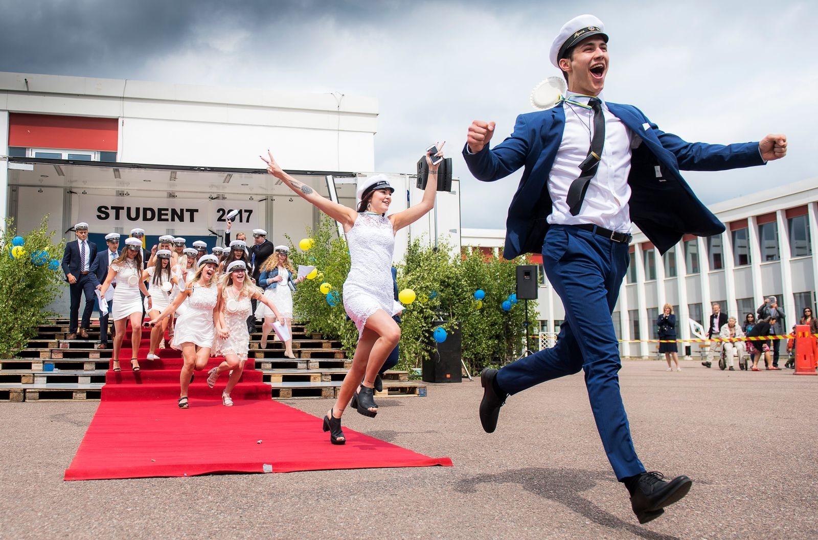 Studentutspring på Åkrahällsgymnasiet i Nybro 2017.