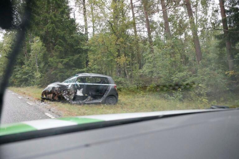 """Förare döms efter frontalkrock på R42 – missbedömde omkörning: """"Förenad med livsfara"""""""