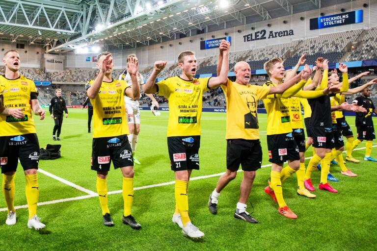200307 Mjällbys spelare jublar efter fotbollsmatchen i Svenska Cupen mellan Djurgården och Mjällby den 7 mars 2020 i Stockholm.  Foto: Kenta Jönsson / BILDBYRÅN / Cop 210