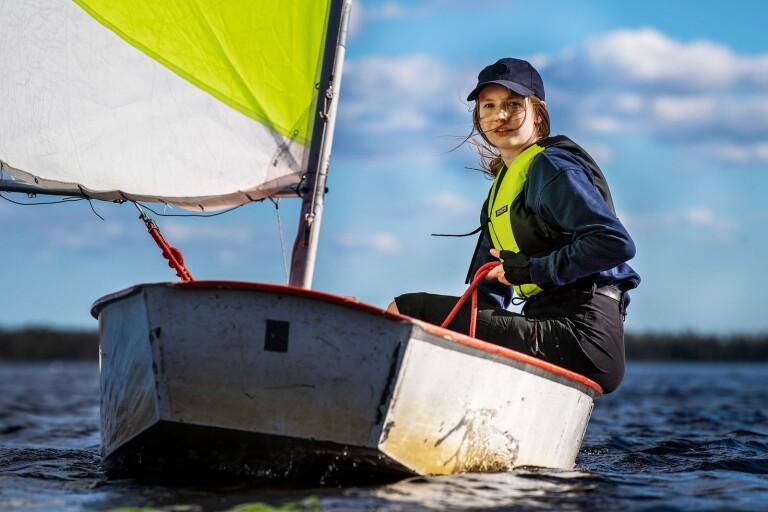 Fartfylld sport med tjejer som vill lära fler att segla