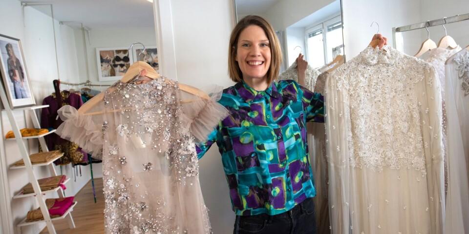 Två klänningar, inspirerade av is-älvor från den fornnordiska mytologin.