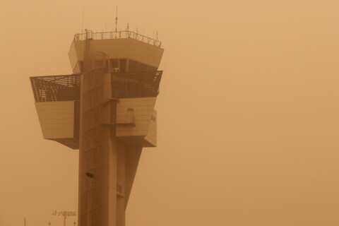 Efter sandstormen: Gran Canarias flygplats öppen igen