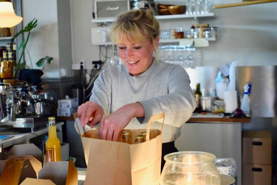 Kaffeterian in Broby has already lots of customers. They are attracted by Anna Ekströmer's delicious sourdough bread, cakes, soups and pies.
