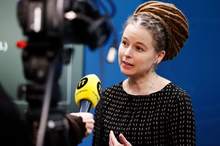 Regeringen skjuter till ett krispaket på en halv miljard till kulturen, säger kultur- och idrottsminister Amanda Lind (MP).