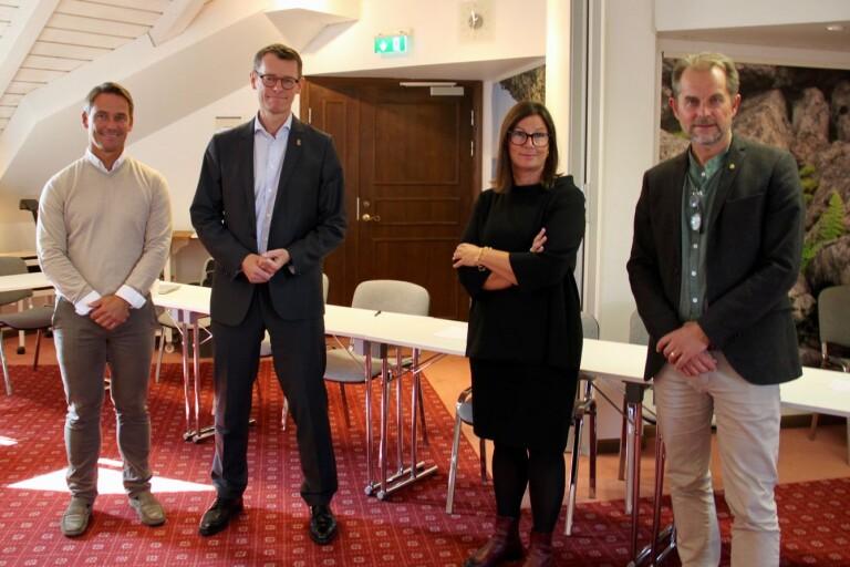 Magnus Lagerlöf, Peter Sandwall, Maria Jansén och Örjan Molander med flera träffades på onsdagen för komma närmare en lösning i frågan om ett öländskt historiskt museum.