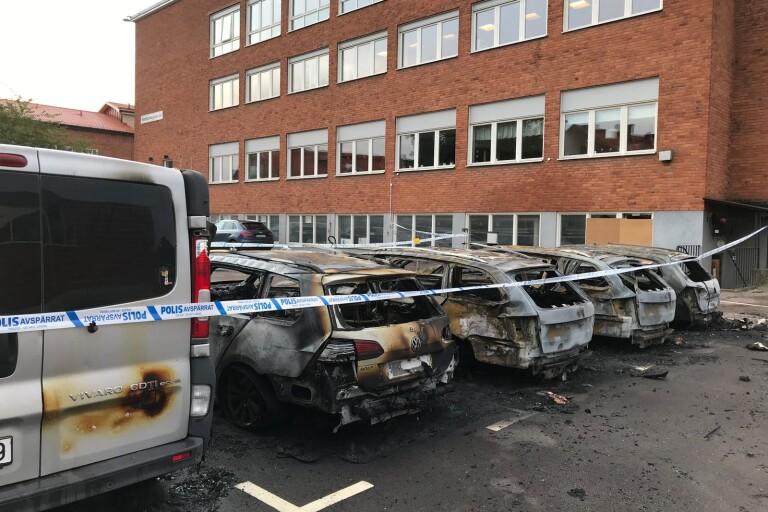 Polisen vill ha in fler tips kring bilbranden på Hantverksgatan