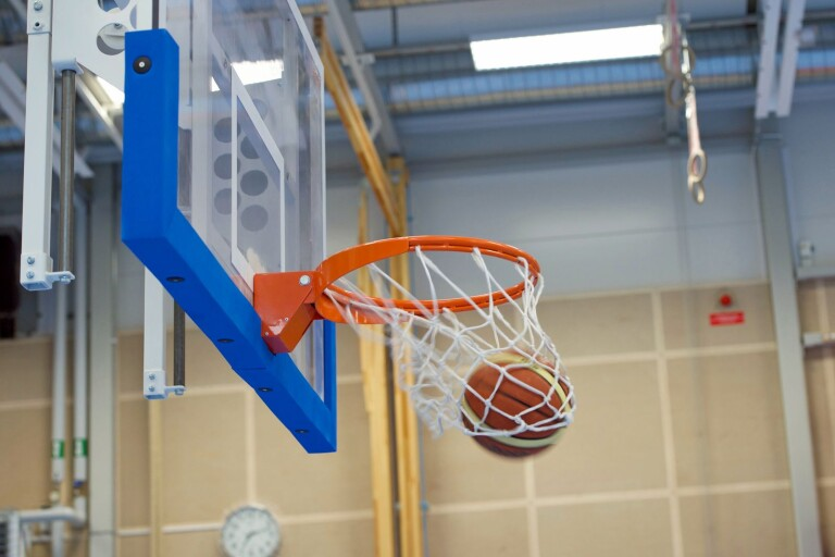 Basket: Sjukdomsdrabbat Pirates förlorade i Danmark