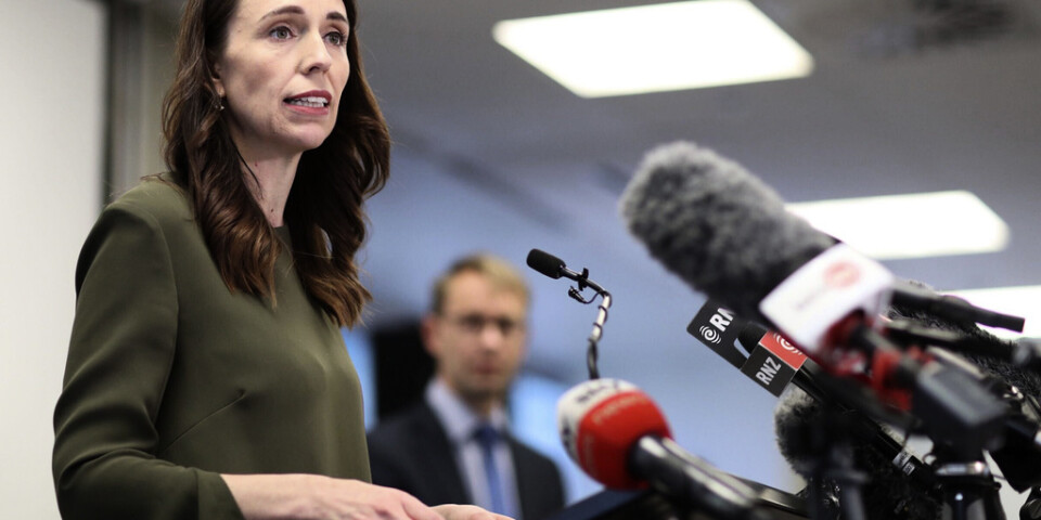 Premiärminister Jacinda Ardern har upphävt coronarestriktionerna i Nya Zeeland, förutom i den landets största stad Auckland.