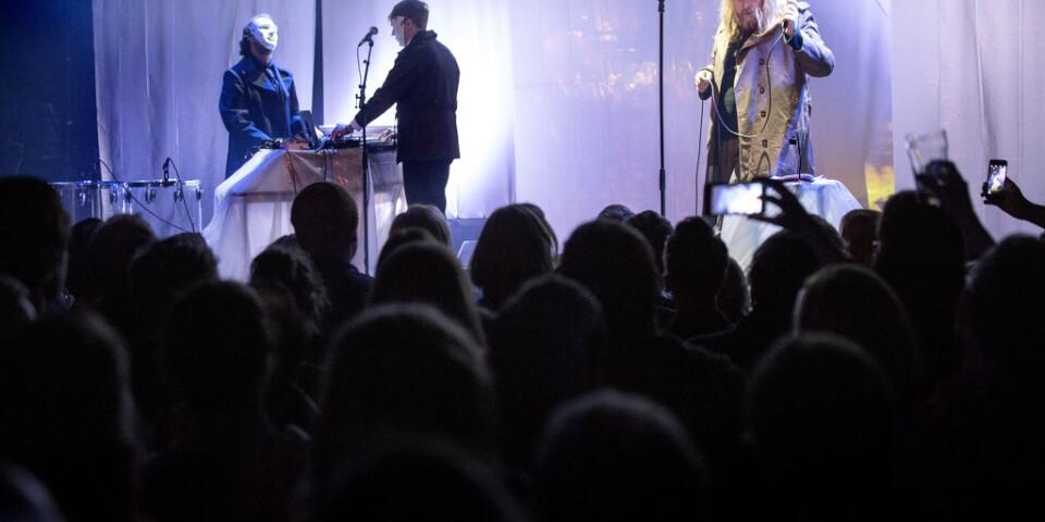 Pustervik är en av alla livemusiksarrangörer som lider just nu. På bilden syns Mattias Alkberg på den Göteborgsbaserade konsertscenen. Arkivbild.