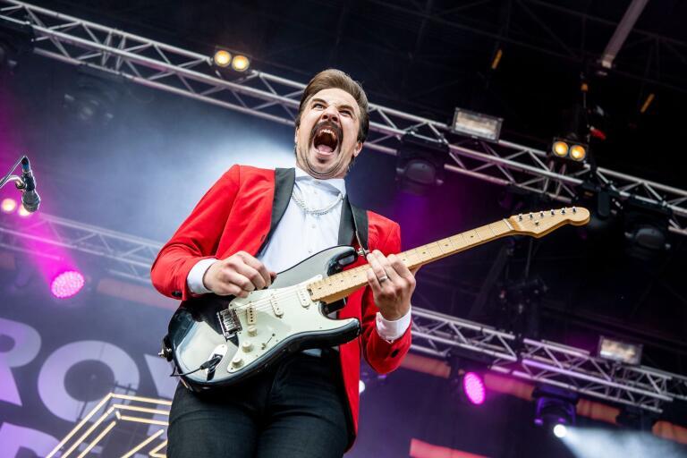Royal Republic med frontfiguren Adam Grahn från Karlskrona spelade på Sweden stage på Sweden Rock på fredagseftermiddagen.