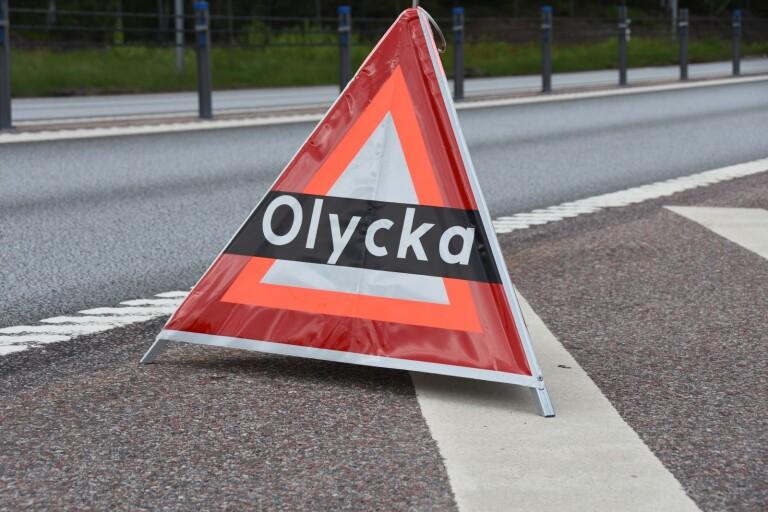 Kvinna misstänks för brott efter trafikolycka