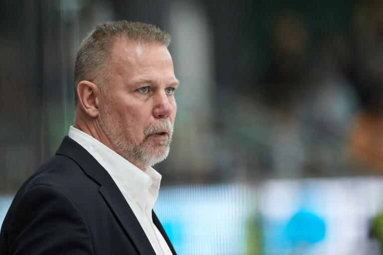 2018 tränade Mats Lusth Mora i SHL. Nu blir det allsvenskan och Karlskrona HK.