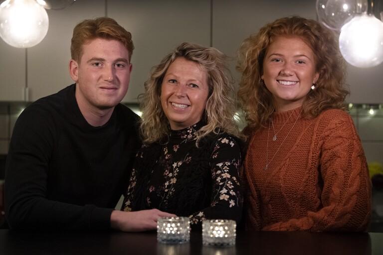 Bröstcancerdrabbade Tina upptäckte knöl – fick vända sig till Region Kalmar